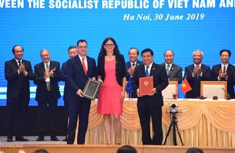 Việt Nam Ký Kết Hiệp Định EVFTA